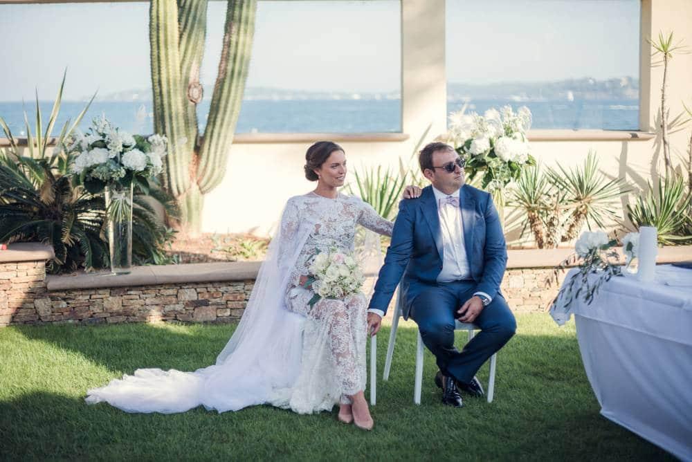 les mariés pendant la cérémonie de mariage, photo prise par Florence Martin, photographe de mariage dans le Var et les Alpes Maritimes
