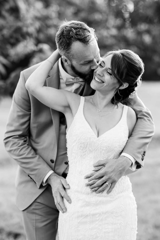 Photo des mariés prise par photographe de mariage dans les Alpes Maritimes