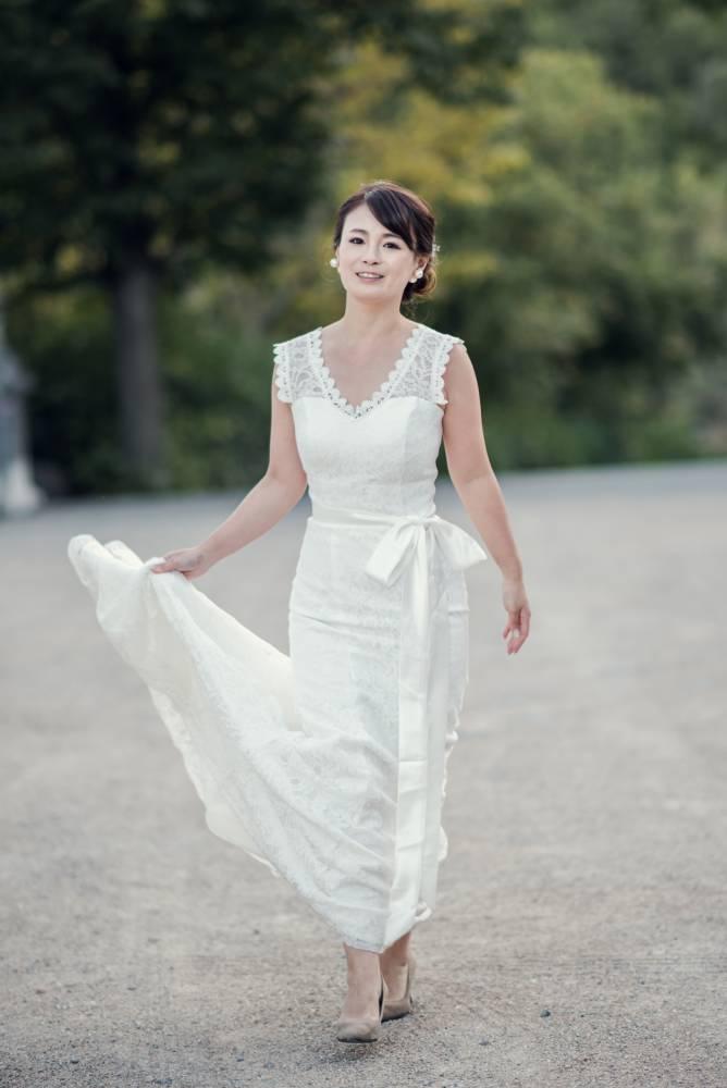 Photo de la marié en robe blanche prise par Florence Martin photographe de mariage dans le Var et les Alpes-Maritimes