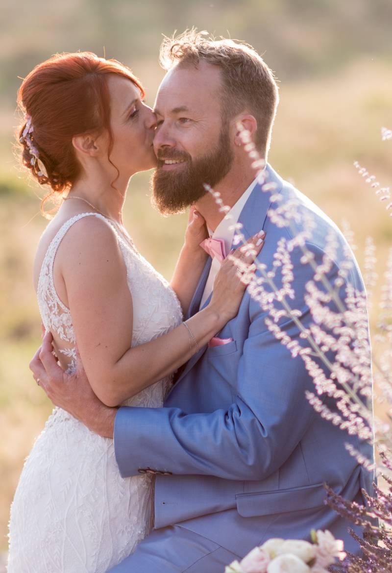 photo des mariés par un photographe professionnel de mariage dans les Alpes Maritimes