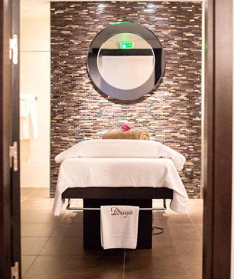 photo d'une table de massage dans un spa pris par photographe entreprise et corporate dans le Var
